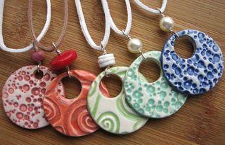 Porcelain bright pendants