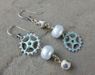 Frosty gears earrings 1
