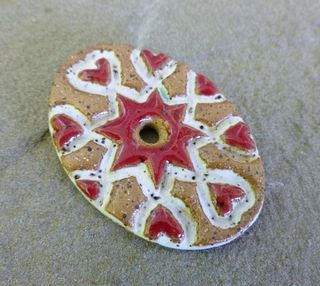Red folk oval pendant 3