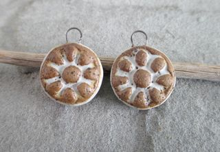 Winter White Flower Charm Pair 2