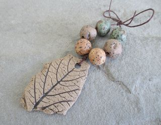 Stoneware Leaf Fragment Bead Set 1